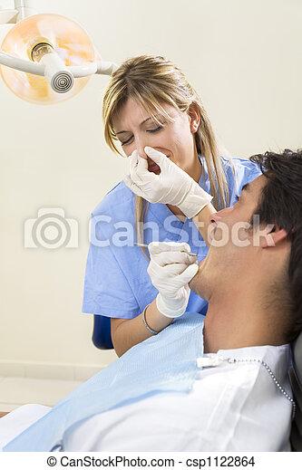 dentist - csp1122864