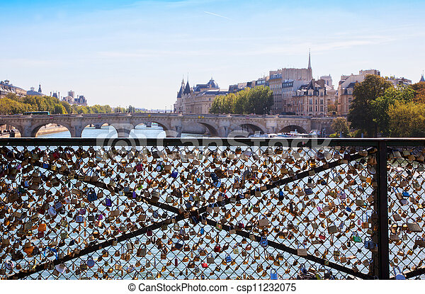 Plaatje van liefde brug parijs stad landscape leven brug parijs csp11232075 zoek naar - Landscaping parijs ...