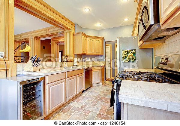 Stock beelden van grijze groot hout esdoorn aardig keuken groot mooi csp11246154 - Foto grijze keuken en hout ...