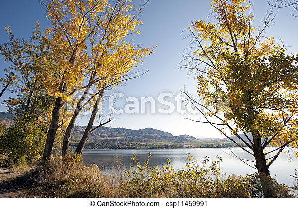 Osoyoos Lake in the fall colours - csp11459991