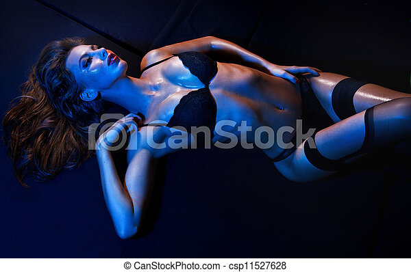 Sexy fit woman - csp11527628