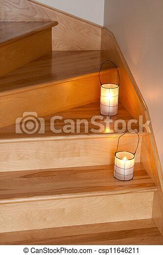 Stock foto laternen dekorieren h lzern treppenaufgang for Treppenaufgang dekorieren