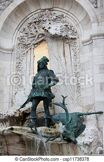 King Matthias Staue in Budapest - csp11738378