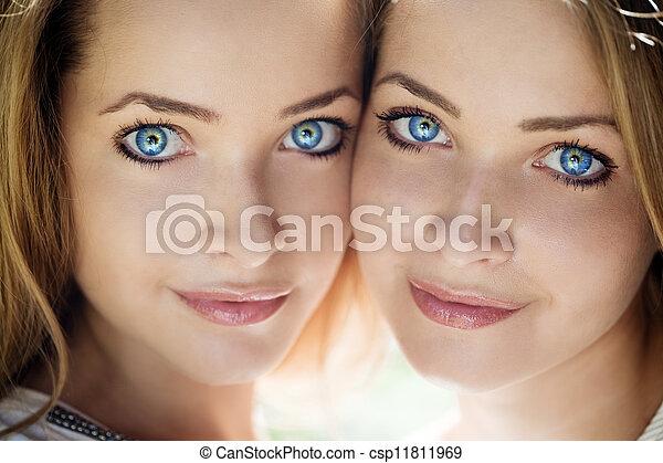 hermoso, azul, ojos, mujeres - csp11811969