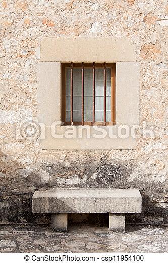 Archivi fotografici di pietra panca sotto finestra pietra panca sotto csp11954100 - Panca sotto finestra ...