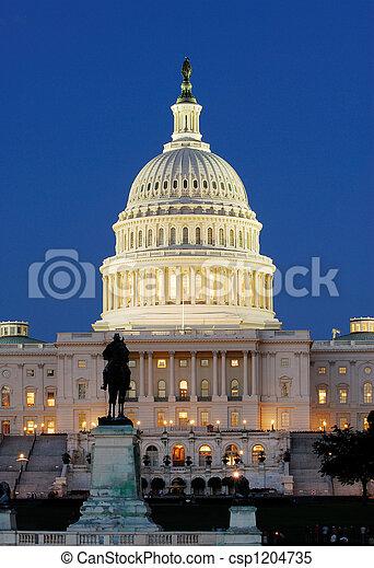 州議會大廈, 我們, 夜晚 - csp1204735