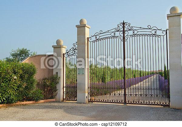 Banco de fotografia de bonito port o ferro bonito for Banco para entrada de casa