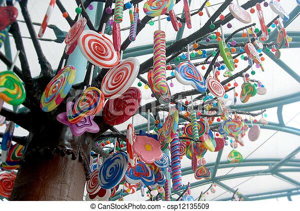 photographies de canne arbre bonbon giant canne bonbon coup arbre csp12135509. Black Bedroom Furniture Sets. Home Design Ideas