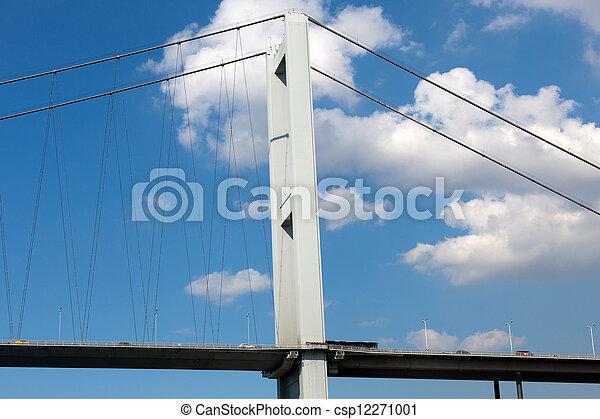 Istambul - Bosporus Bridge connecting Europe and Asia  - csp12271001