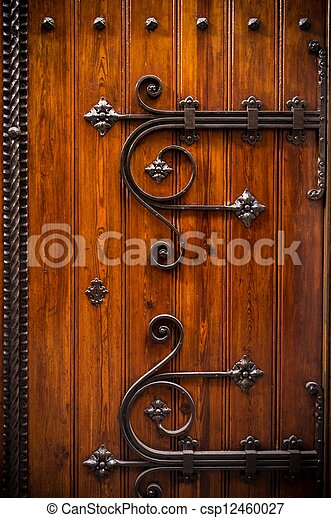 Stock fotos de de madera puerta metal decoraci n for Fotos de puertas de metal