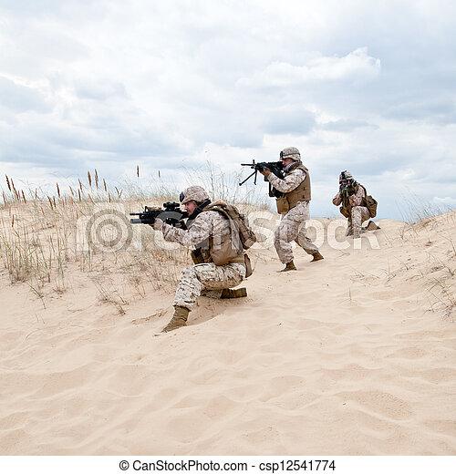 軍, オペレーション - csp12541774