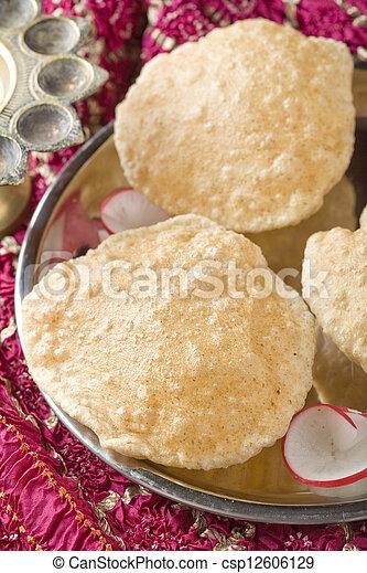 Puri, indio, desayuno - csp12606129