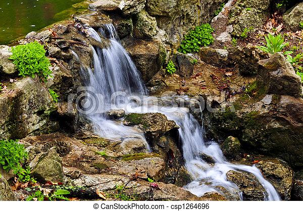 cascada, conexión en cascada - csp1264696