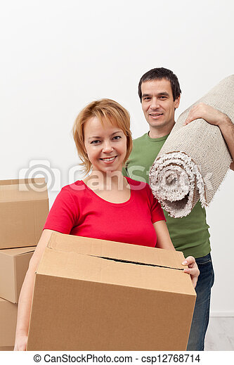 Couple moving into a new home - csp12768714