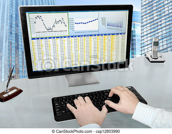 Analizing Data on Computer - csp12803990