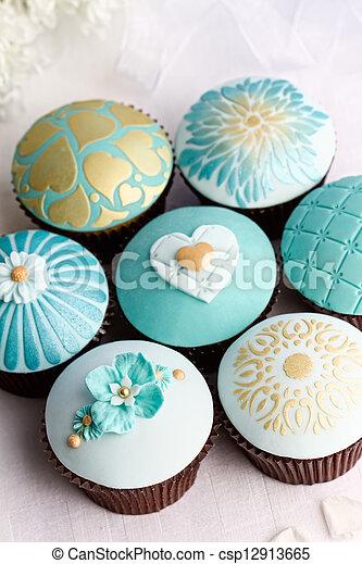 Wedding cupcakes - csp12913665