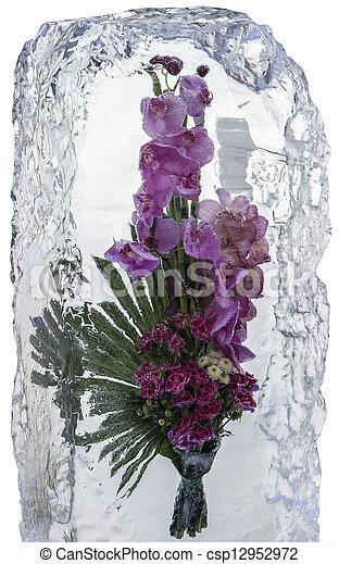 Eis Skulpturen mit Blumen in großen Blöcken
