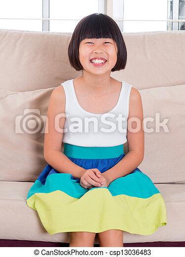 Stock foto s dosten asiatisch kind stock bilder for Sofa asiatisch