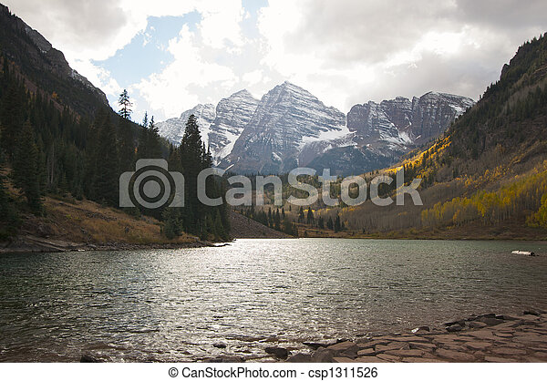 Maroon Bells and Maroon Lake - csp1311526