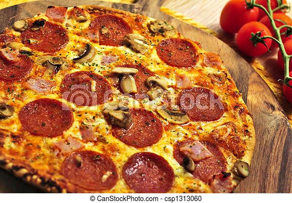 Pepperoni pizza - csp1313060