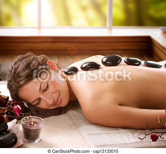 Spa Salon. Stone Massage. Dayspa - csp13133015