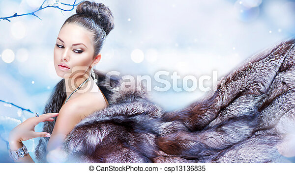Winter Woman in Luxury Fur Coat - csp13136835