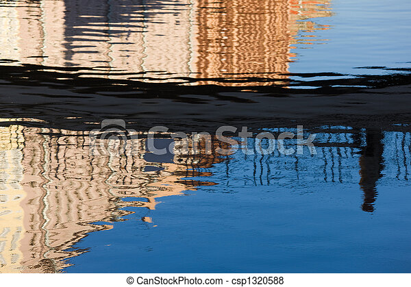 Reflection and distortion - csp1320588