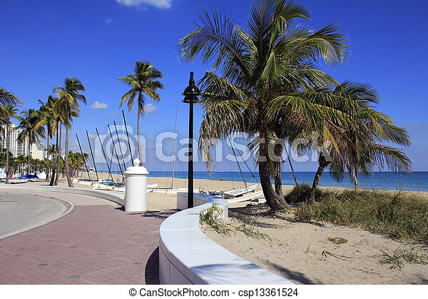 Fort Lauderdale Beach Park Looking North - csp13361524