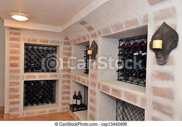 Banque de photographies de maison cave luxe vin une souterrain vin cave dans - Cave a vin fait maison ...