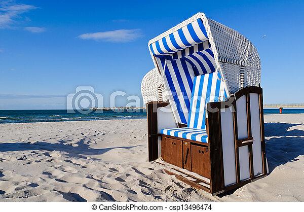Strandkorb clipart  Bilder von strandkorb, ostsee - strandkorb, (beach, basket), in ...