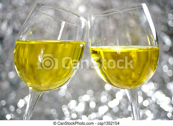 Sparkling toast - csp1352154