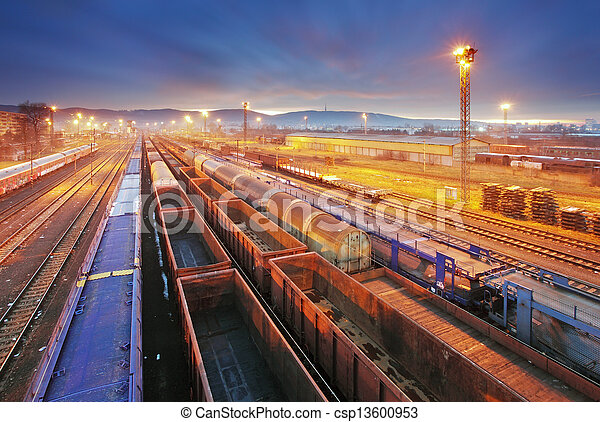 Train Freight transportation platform - Cargo transit - csp13600953