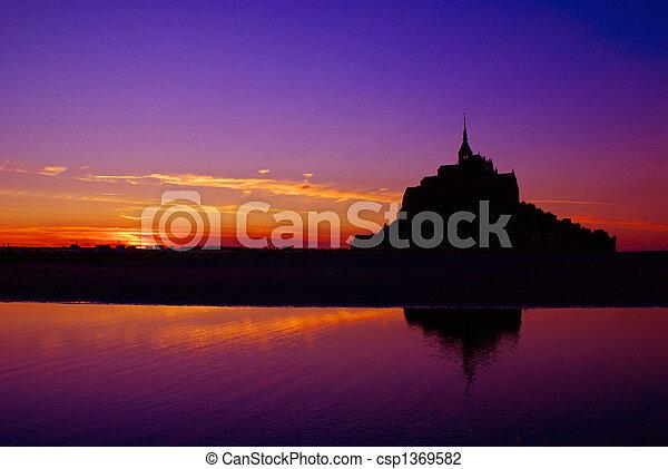 Mont Saint Michel         - csp1369582