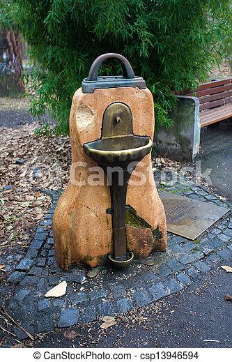 banque de photographies de eau boire fontaine dans. Black Bedroom Furniture Sets. Home Design Ideas