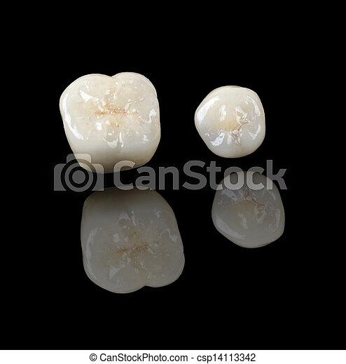 Ceramic crowns - csp14113342