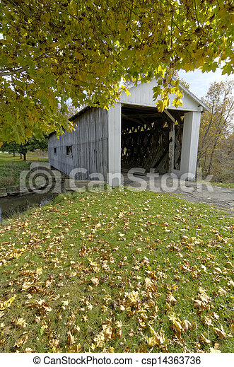Covered bridges in Northeast Ohio Counties. Early Fall season. - csp14363736