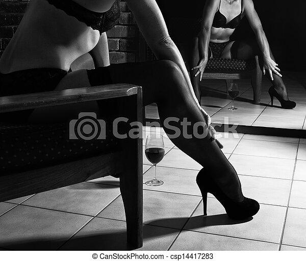 pel culas de ropa interior mujer silla sentarse mujer sentarse en csp14417283. Black Bedroom Furniture Sets. Home Design Ideas