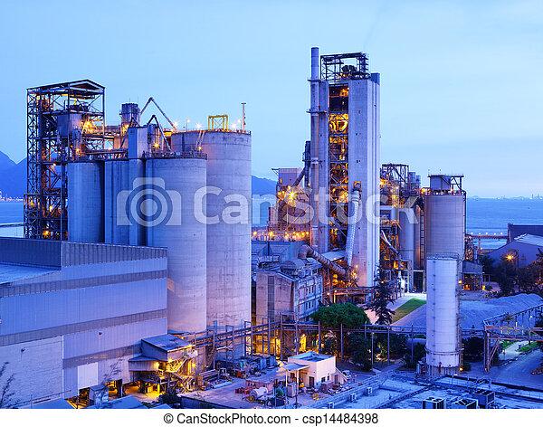 planta, industrial, anoitecer - csp14484398