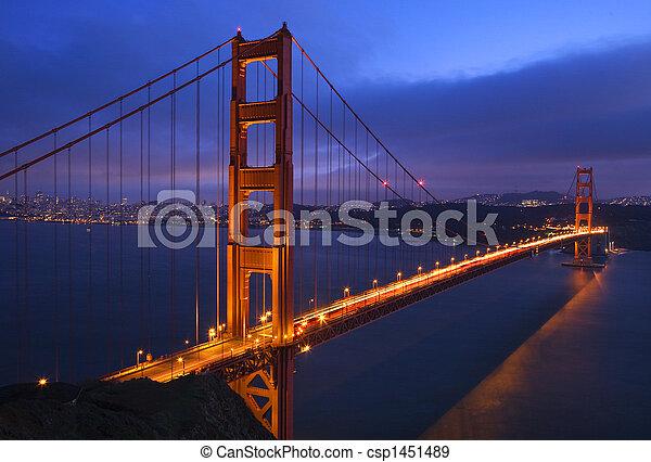 Golden Gate Bridge Sunset Pink Skies San Francisco California - csp1451489