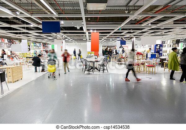 Banco de fotos de grande mob lia centro comercial for Mobilia international