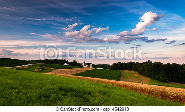 Farm in rural Southern York County, Pennsylvania.  - csp14542918