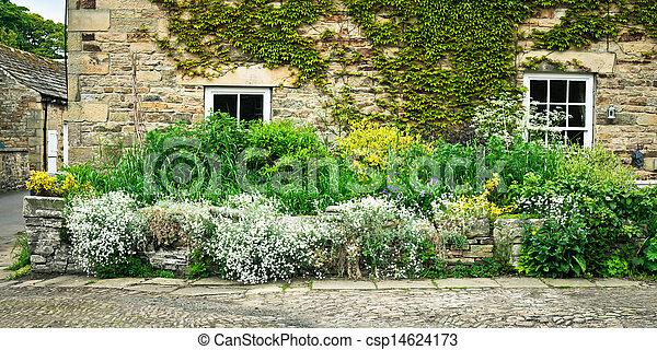 Plaatje van huisje tuin vibrant zomer planten voorkant steen csp14624173 zoek naar - Zomer keuken steen ...