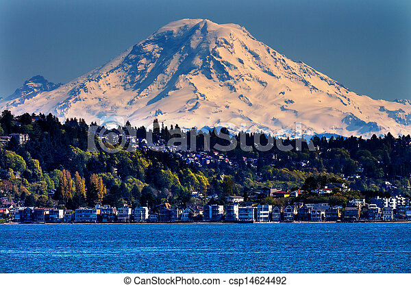 Mount Rainier Puget Sound North Seattle Snow Mountain Washington State Pacific Northwest - csp14624492