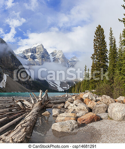 Moraine Lake, Banff National Park, Alberta, Canada - csp14681291