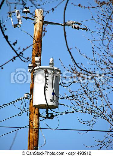 Stock fotos de transformador un utilidad poste con - Transformador electrico precio ...