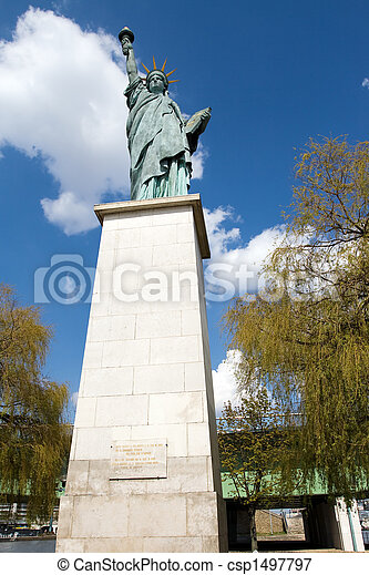 Statue of Liberty in Pari - csp1497797