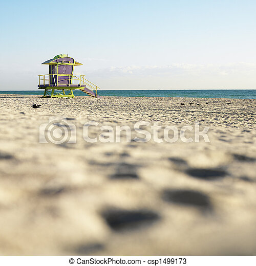 Lifeguard tower in Miami. - csp1499173
