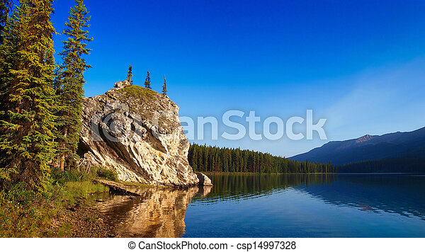 Beautiful landscape with mountain lake at dawn in Jasper - csp14997328