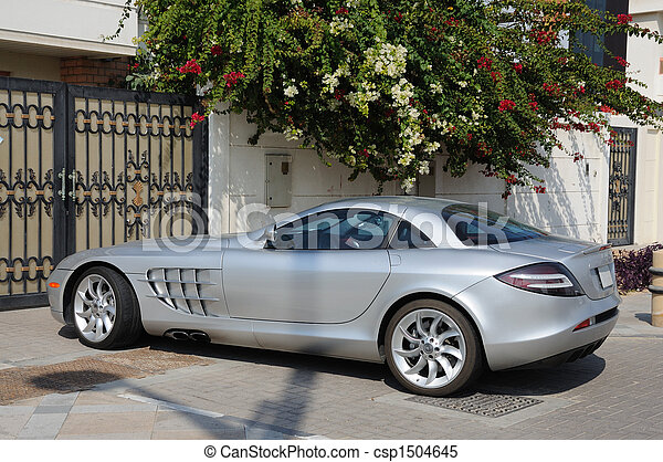images de luxe sports voiture mercedes benz slr mclaren duba csp1504645 recherchez des. Black Bedroom Furniture Sets. Home Design Ideas