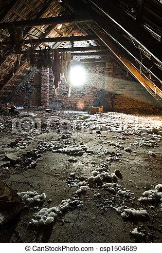 stock fotografien von altes dachgeschoss sonne strahlen beleuchtung der csp1504689. Black Bedroom Furniture Sets. Home Design Ideas